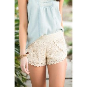 Francesca's Rue Crochet Shorts Ivory Lace Cream M